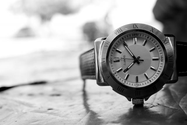 クォーツ腕時計のイメージ