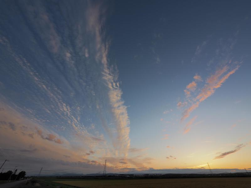 超広角レンズで撮影した空