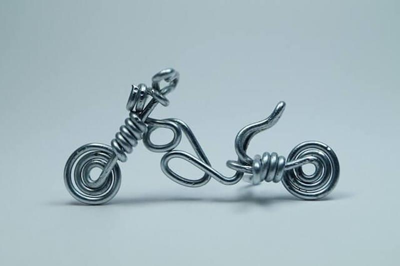 針金のバイク